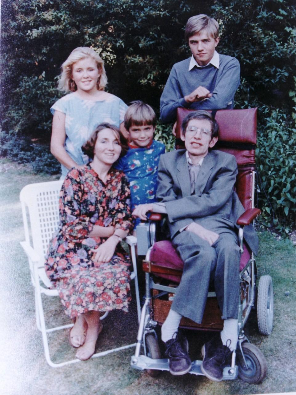Robert Hawking Wiki, Bio, Son of Stephen Hawking, Parents, Family, Wife, networth, bio, age married
