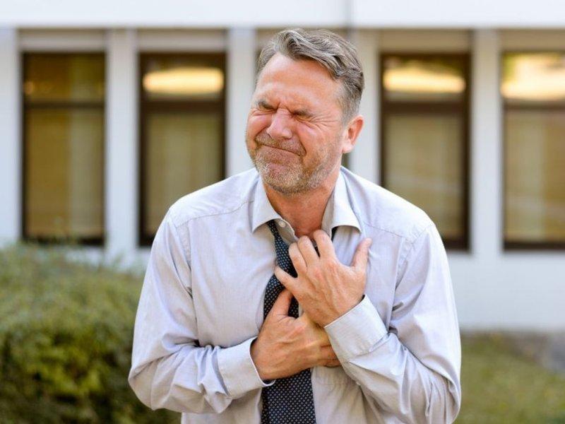 Будьте бдительны: названы признаки инфаркта у мужчин