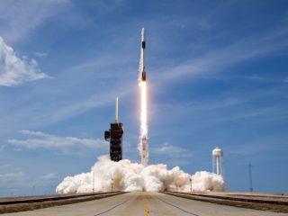 Первый в истории НАСА коммерческий полет в космос: подробности